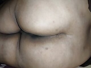 Big ass Indian bengali aunty with exhibitionist intention displaying to young boy